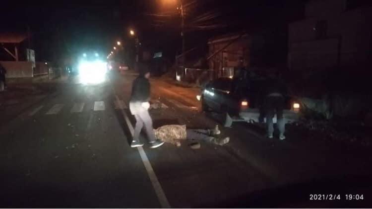 Фото. У Виноградові під колеса автівки потрапила людина