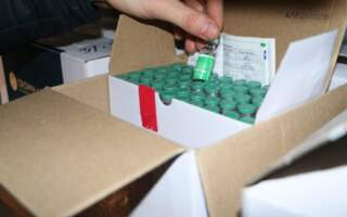 На Закарпаття прибув перший вантаж вакцини Oxford/AstraZeneca
