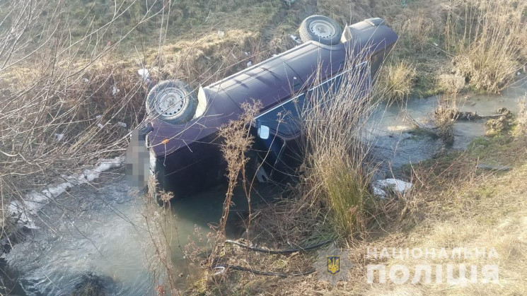 На Тячівщині 21-річний хлопець збив двох дітей: Хлопці 11 та 12 років із численними ушкодженнями перебувають під наглядом медиків