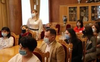 В ОДА нагородили кращих учителів області (ФОТО)