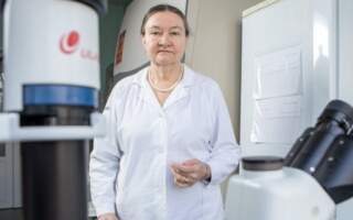 «Тих, хто перехворів, вакцинувати не потрібно», – знана вірусологиня України про свій погляд на щеплення, про те, чому в Україні захворюваність пішла на спад і чи загрожує нам новий спалах