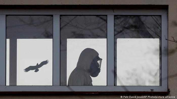 Від сьогодні у Чехії почався жорсткий надзвичайний стан: які обмеження він передбачає