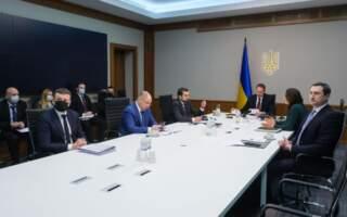"""Допомога українцям у """"червоних"""" зонах має бути виплачена і з державного, і з місцевого бюджетів – Кирило Тимошенко"""