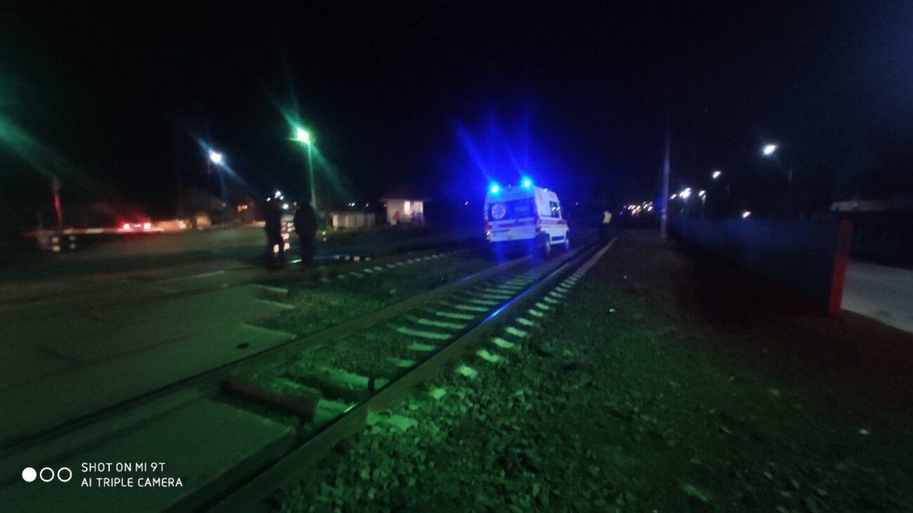 На Закарпатті потяг врізався у швидку: Водія авто з переломом руки госпіталізовано (ФОТО/ВІДЕО)