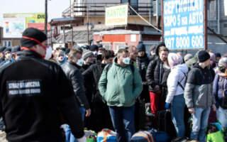 Заробітчани повинні заплатити податки в бюджет України: як і де платити, щоб не мати проблем в Україні