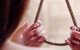 На Закарпатті повісилась 13-річна дівчинка: До самогубства її закликали у соцмережах (ФОТО.ВІДЕО)