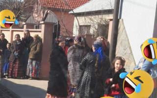 """""""І одна маска, яку вони одягають по черзі"""", – у мережі показали як цигани дотримуються карантинних обмежень (ФОТО)"""
