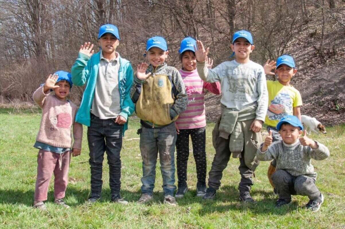Вони можуть одружуватися у 13-14 років, мати свої традиції і світогляд, але у першу чергу вони такі самі люди, як і ми всі, - роми стали учасниками екоакції (ФОТО)
