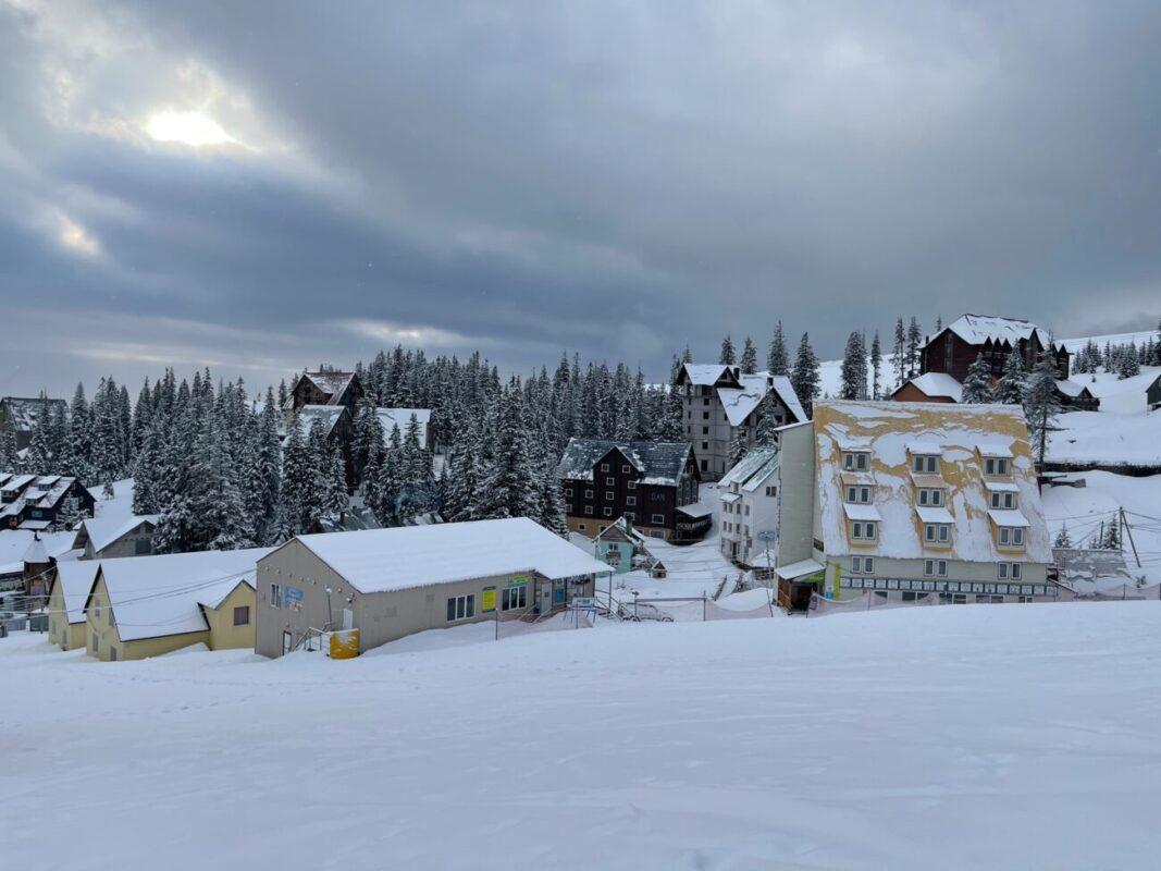 Ще трошки і буде 150-Ий день Зими: Гірські райони засипає снігом (ФОТО)