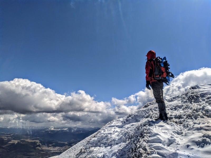 Подробиці пошуків зниклого туриста: Тіло киянина знайдено в ущелині біля потічка у підніжжя гори Жид-Магура