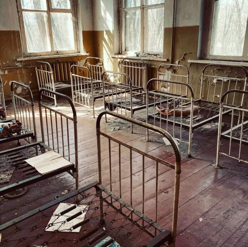 """""""Одна мить і все…Велика сила призвела до великої біди. Боляче усвідомлювати, що на цій території більше НІКОЛИ ніхто не зможе жити"""", - закарпатка поділилася враженнями від поїздки в Чорнобиль (+ФОТО)"""