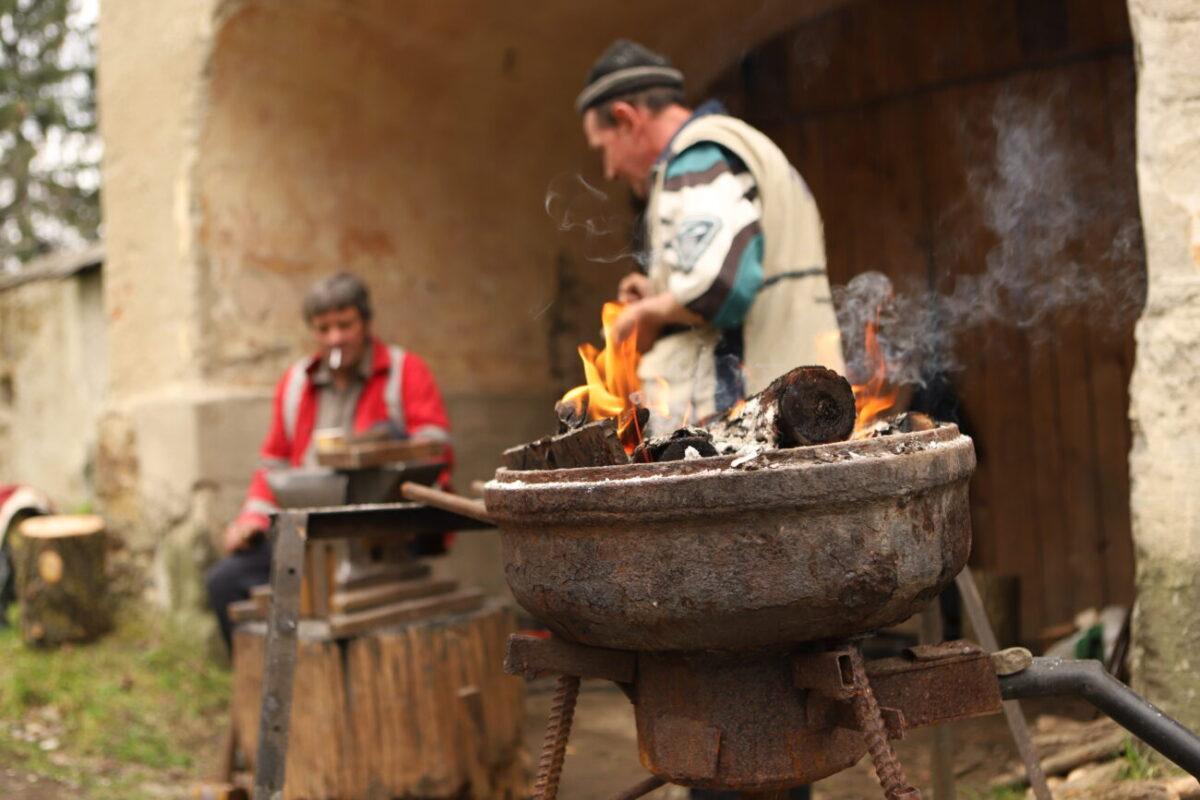 У палаці-фортеці графа Телекі народні майстри провели майстер-класи (ФОТО. ВІДЕО)