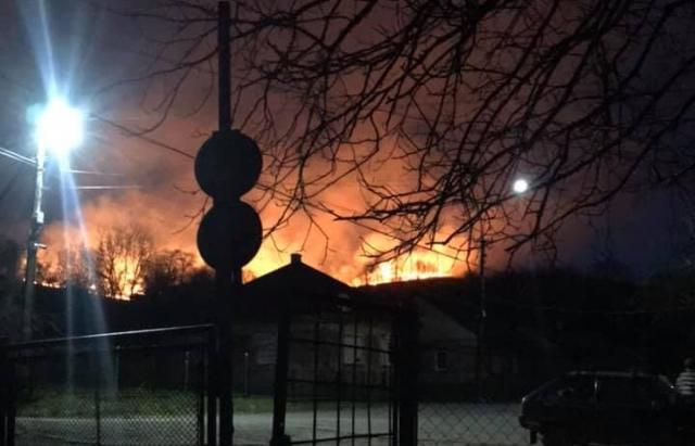 Фото масштабної пожежі на Закарпатті: Горіла гора Гурка, на якій розташована Хресна дорога