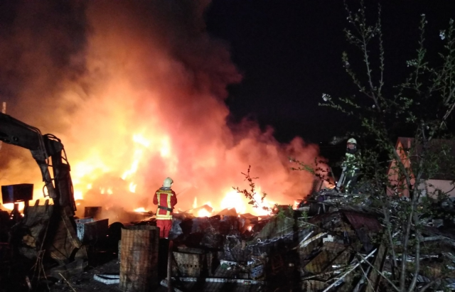 Вогнеборці розповіли деталі пожежі на Хустщині