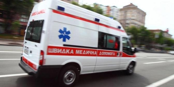На Закарпатті бригада швидкої допомоги не встигла до тяжкохворого пацієнта. Чоловік помер (ВІДЕО)
