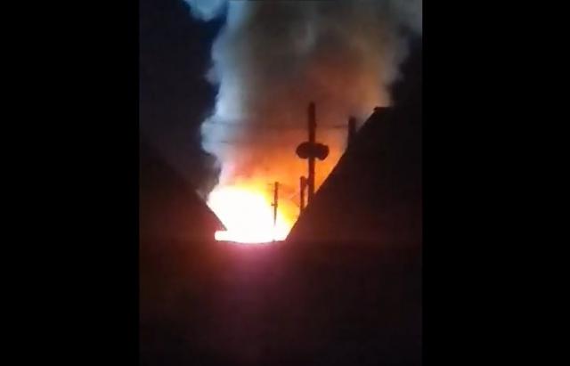Масштабна пожежа на Закарпатті: Горить металобаза (ВІДЕо)