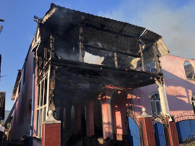Пожежа на Тячівщині знищила житловий будинок (фото)