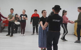 Мережа Будинків народних традицій Закарпаття провела День танцю на семи локаціях