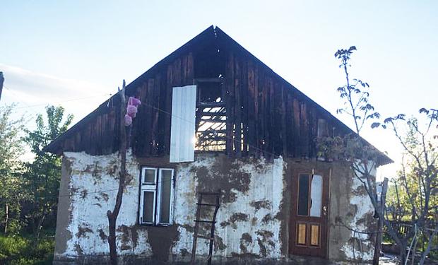 На Іршавщині загорівся будинок, у якому мешкала багатодітна жінка