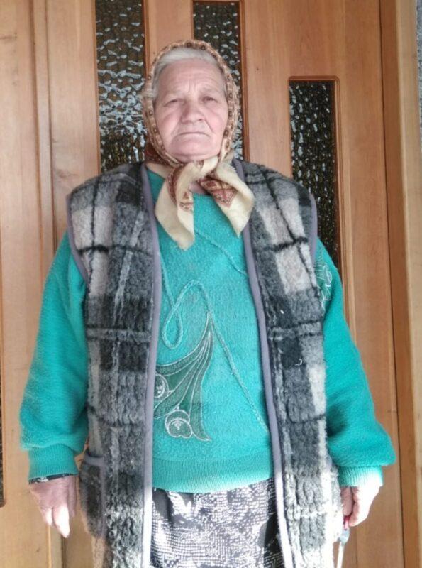 """""""Буває, ледве встану, прийду до церкви, сил не маю, думаю, що не піднімуся. Стану, помолюся, помали вийду на коврош, а далі вже легше, таке відчуття, ніби хтось ня підтримує"""", - на Іршавщині дзвонарем місцевої церкви є 71-річна жінка"""