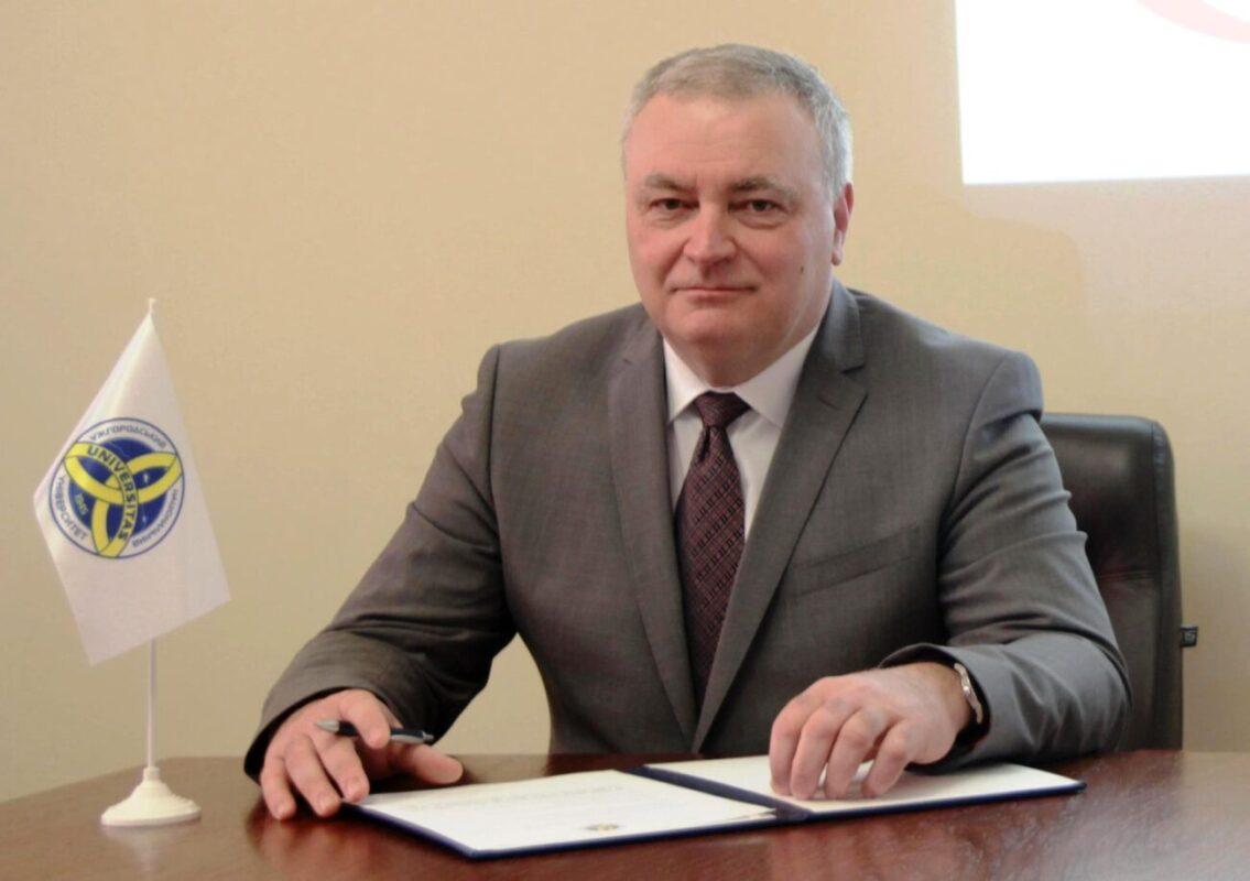 Володимир Смоланка відсторонив від роботи кількох посадових осіб стоматфакультету