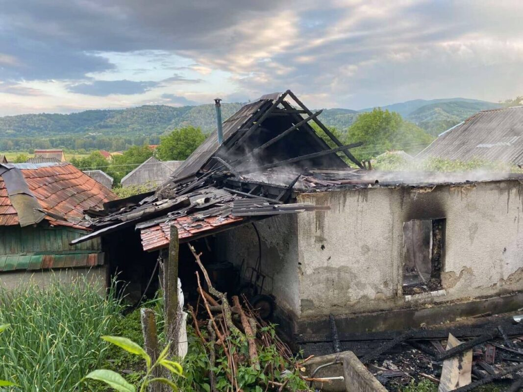 """""""В осередку загорання було виявлено тіло 61-річного власника будинку"""", - у Лукові на пожежі згорів чоловік"""