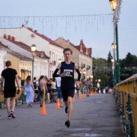 """Масовий """"Вечірній забіг"""" відбувся в Ужгороді (ФОТО)"""
