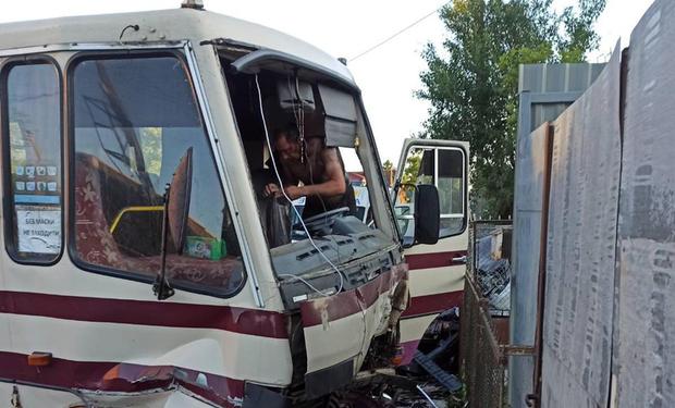 Один помер на місці, троє травмовані: ДТП на Закарпатті (ФОТО)