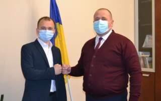 На Закарпатті звільнили чиновника за наявність угорського громадянства, який світиться у базі Миротворця