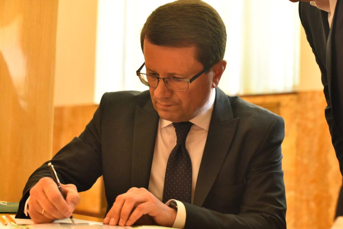 Анатолій Полосков  прибув на засідання обласної ради