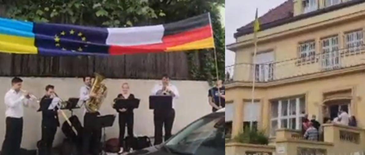 «Іноземець не раб»: У підтримку українських заробітчан під стінами українського посольства у Чехії зібралися громадяни Чехії (ВІДЕО)