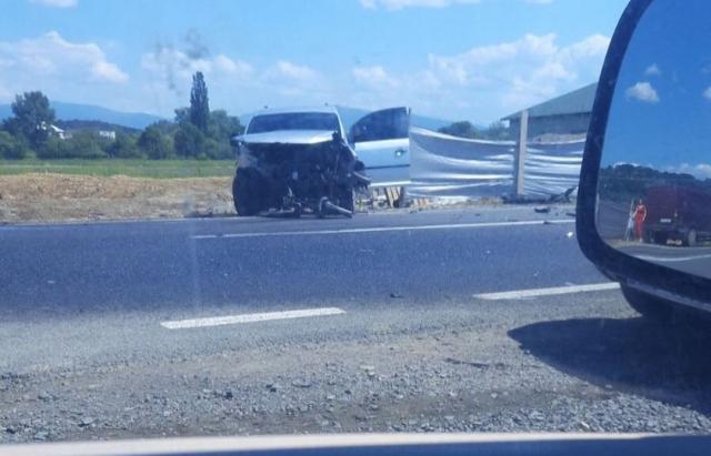 ДТП на Закарпатті: Від удару обидві автівки відкинуло на узбіччя (ФОТО. ВІДЕО)