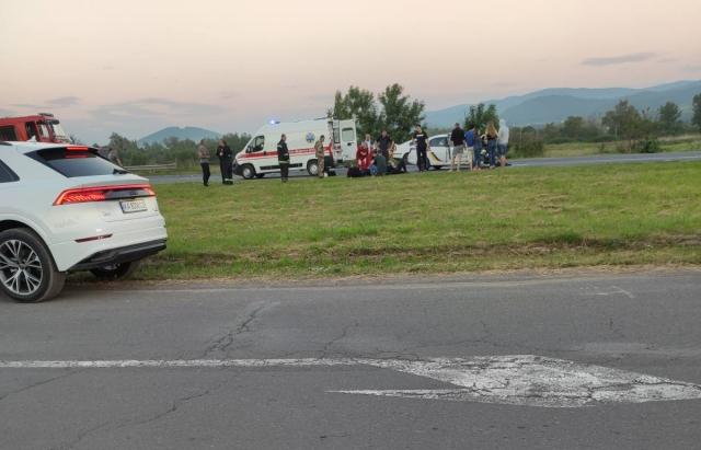 У ДТП на Закарпатті потрапило авто поліції: внаслідок зіткнення є постраждалі (ФОТО, ВІДЕО)