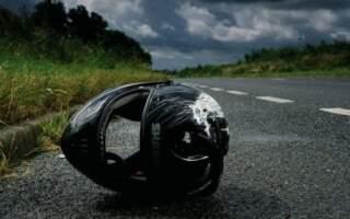 Трагічне ДТП на Закарпатті: П'яний водій мотоцикла врізався у припарковане авто, пасажир у реанімації