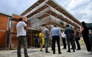 Анатолій Полосков перевірив хід реконструкції спортивного залу Міжгірської ЗОШ (ФОТО)