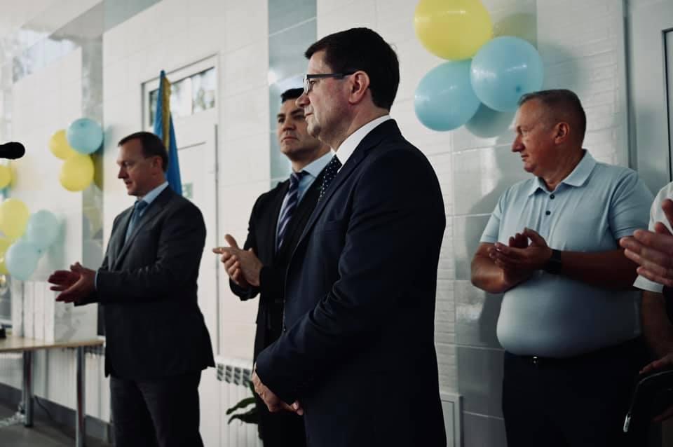 В Ужгороді урочисто відкрили сучасний басейн (ФОТО)
