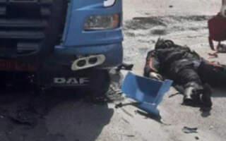 Смертельна ДТП на Закарпатті: Колона мотоциклістів рухалася трасою, один з водіїв не впорався з керуванням та допустив зіткнення з вантажним автомобілем (ФОТО. Відео)
