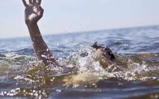 """""""Скочив із моста у малу воду, сильно вдарився і сплив на габи"""", – на Закарпатті втопився молодий хлопець"""
