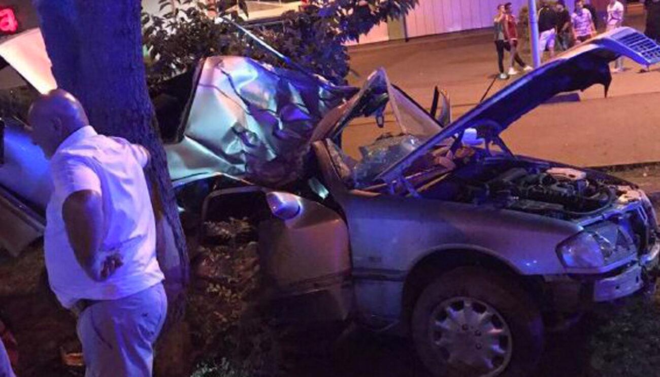 ДТП у Виноградові: Влетіли в дерево, - двох потерпілих доправили до реанімаційного відділення