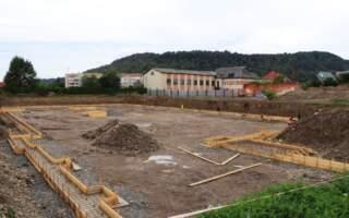 У м. Хуст розпочалося будівництво двадцятип'ятиметрового басейну