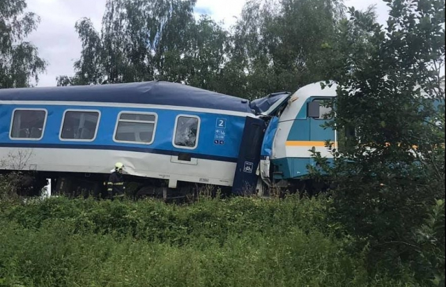 Зіткнення потягів у Чехії: кількість загиблих зросла (ФОТО. ВІДЕО)