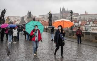 Озвучили коли у Чехії скасують вимогу про обов'язкове носіння масок