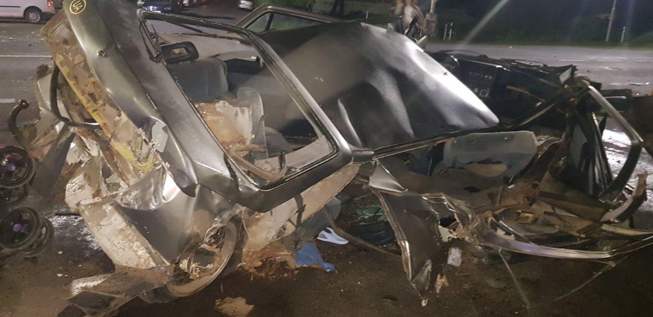 З'явилось відео Моторошної аварії на Закарпатті: Автівки стали брухтом