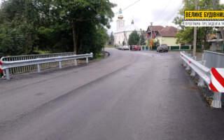 На двох мостах у с. Павлово встановлюють бар'єрне та перильне огородження