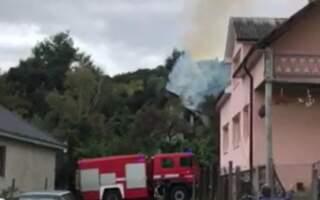 Тіло на згарищі: у палаючому будинку виявили тіло людини (ВІДЕО)