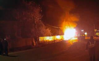 Згоріли заживо: Опублікували фото з місця смертельної автотрощі на Закарпатті. Серед загиблих співробітник поліції (ФОТО 18+)