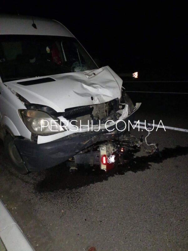 Нічна смертельна ДТП: Під колесами авто загинув 15-річний підліток (ФОТО)
