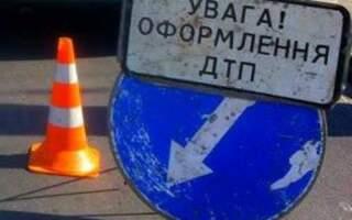 Людей з авто вирізали рятувальники: Моторошна нічна ДТП на Закарпатті (ФОТО)